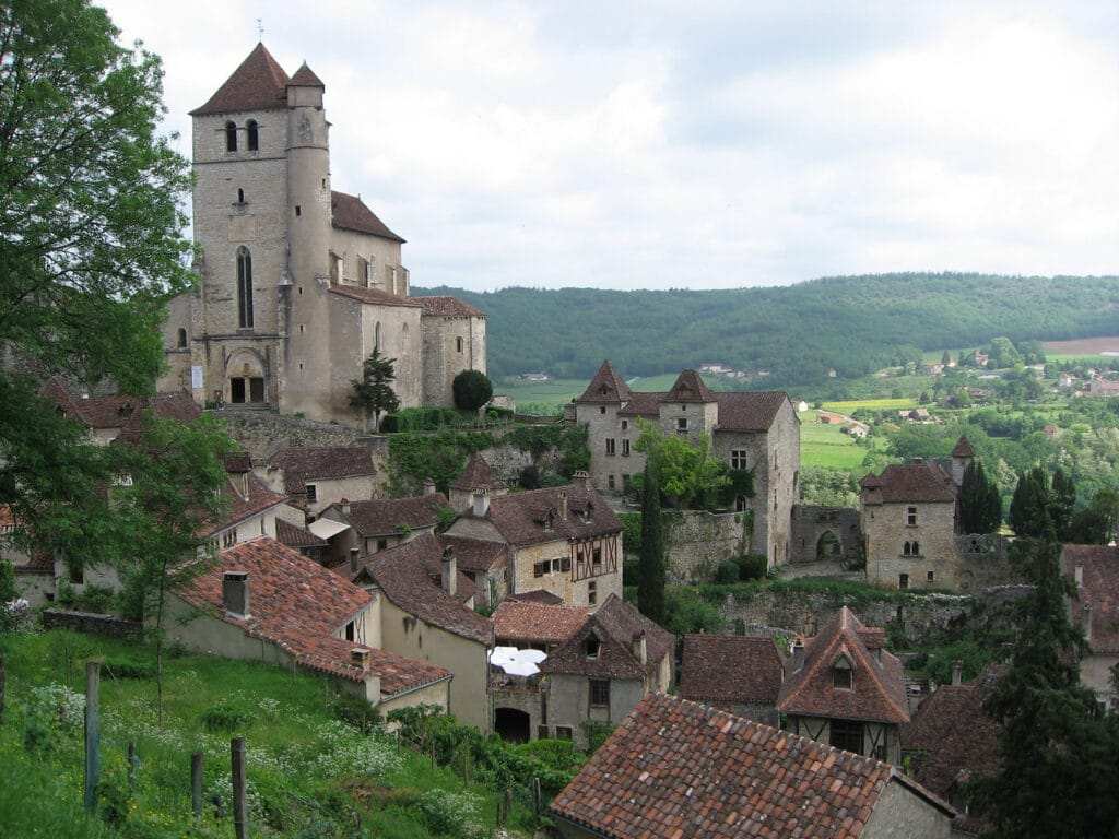 Visit Saint-Cirq-Lapopie, medieval village in the Lot