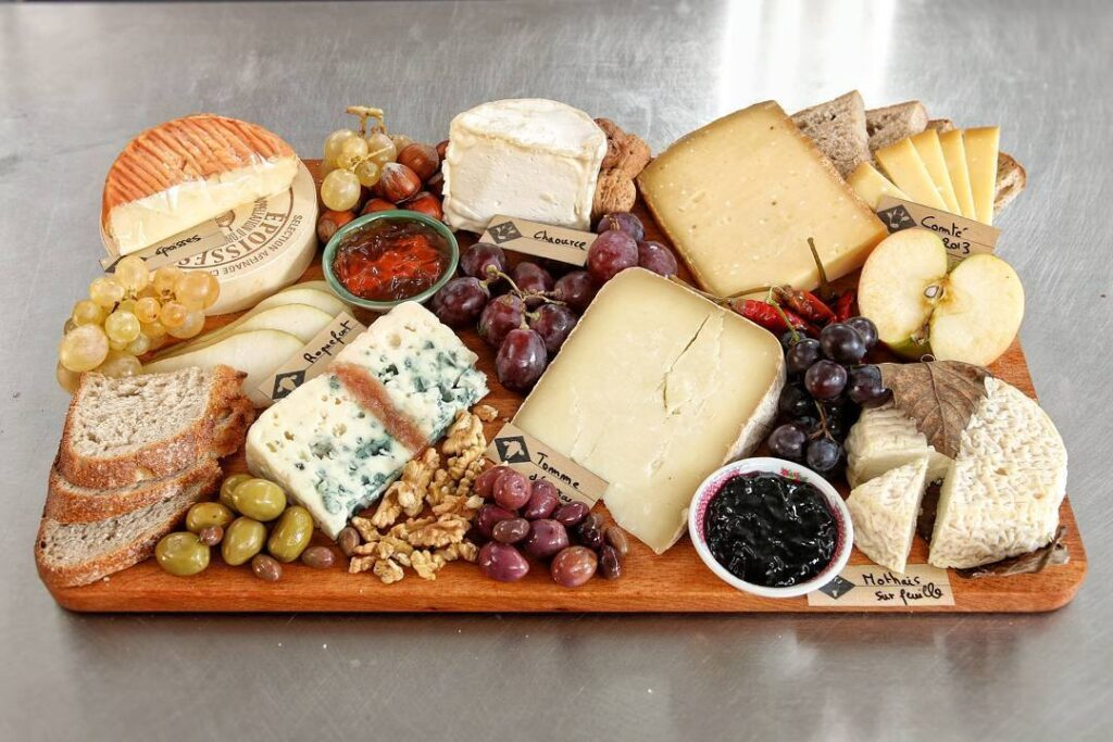 Making your own French cheese platter